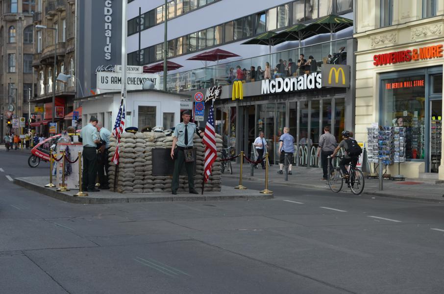 blog-love-shoes-checkpoint-charlie-berlim-viagem-ferias-alemanha