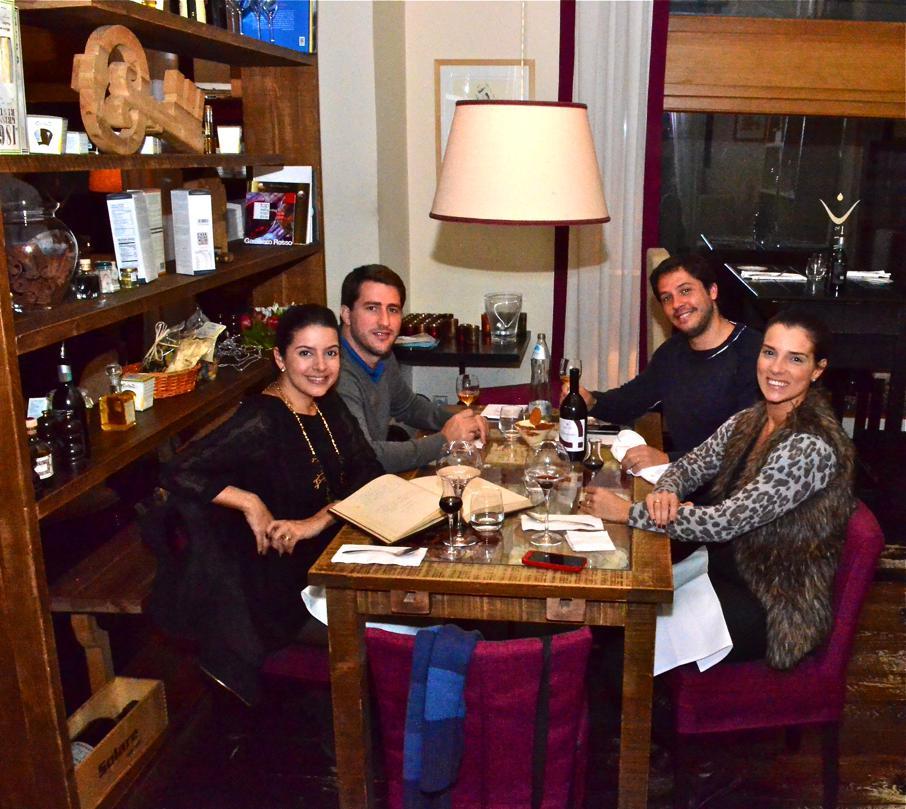 blog-love-shoes-look-em-mocvimento-praga-noite-restaurante-divinis06