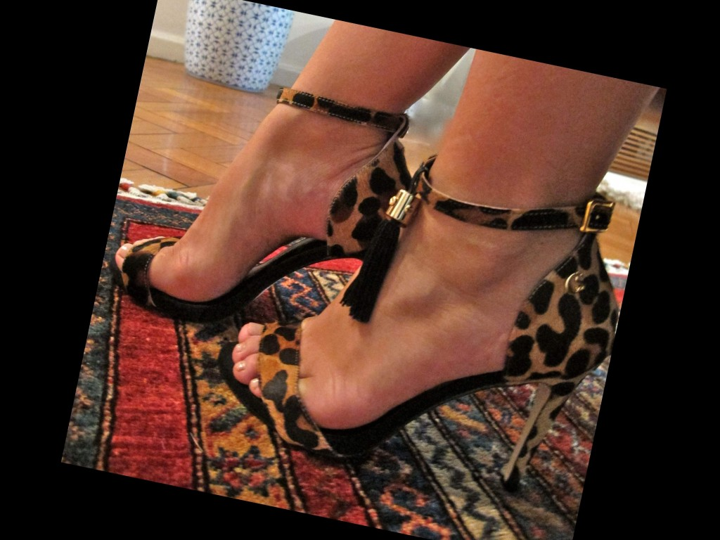 blog-love-shoes-look-em-movimento-carmen-steffens-all-black-onça-acessorios-gravida05